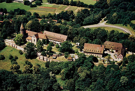 kloster lorch wurde 1102 von dem staufischen herzog friedrich von schwaben gegr ndet und um 1140. Black Bedroom Furniture Sets. Home Design Ideas